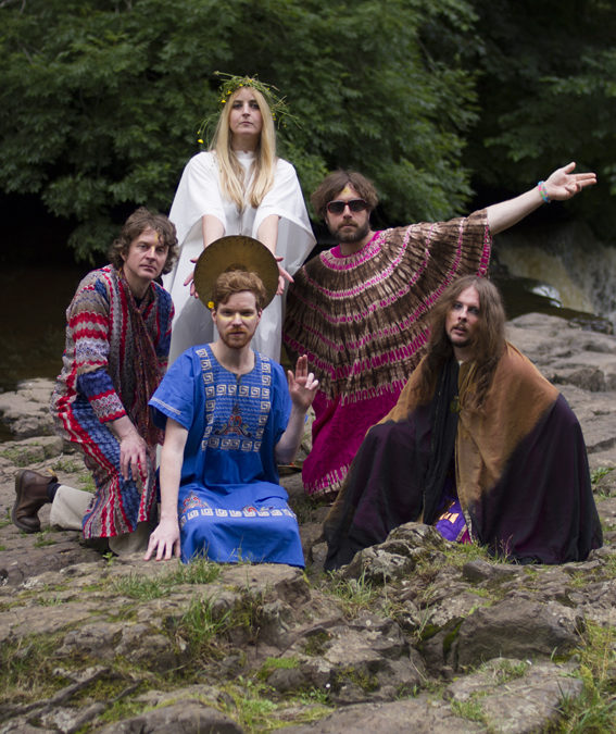 """Trembling Bells share new video """"I'm Coming"""" from forthcoming album, 'Dungeness'"""